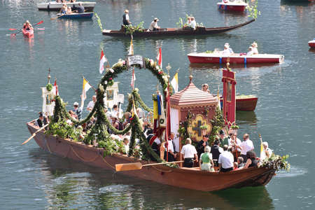 Corpus Christi procession on Lake Hallstatt in Hallstatt in the Salzkammergut (district of Gmunden, Upper Austria, Austria) - Since 1623, the Corpus Christi procession has been carried out by boat on the water, on Lake Hallstatt. - Corpus Christi processi