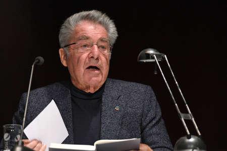 The former Federal President Heinz Fischer during a lecture in Steyrermühl (Upper Austria)