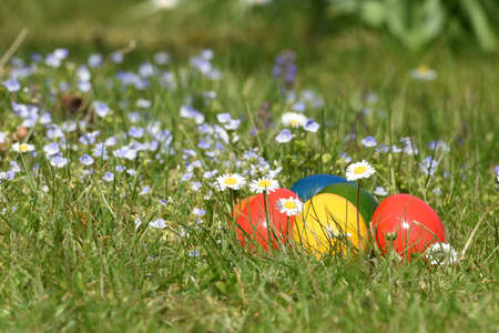 Giving away Easter eggs is a common practice. The tradition of egg coloring goes back to the Middle Ages.