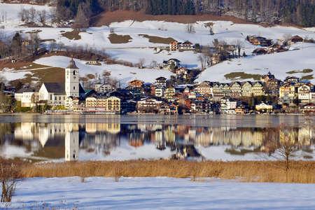 Wolfgang lake in winter - St. Wolfgang - Salzkammergut (Gmunden district, Upper Austria, Austria)