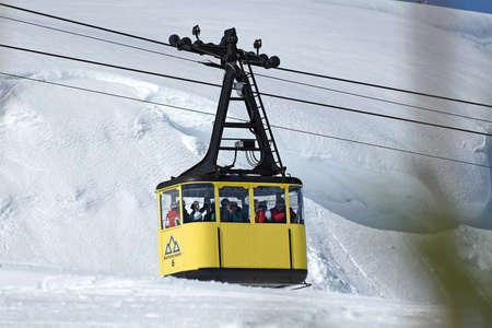 The cable car to the Krippenstein ski area in the Salzkammergut in winter (Obertraun, Gmunden district, Upper Austria, Austria)