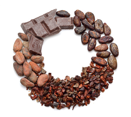 processing: Round Frame with Cocoa products (Beans, nibs, chocolate) Isolated on white background.