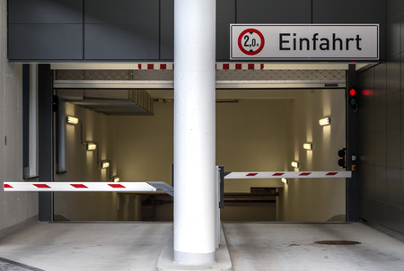 Entrance to the parking garage Standard-Bild