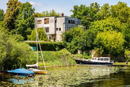 seerosen: Living on the Lake