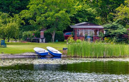 seerosen: Boats on the lake