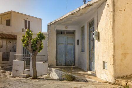 housebuilding: Haus in einem griechischen Dorf