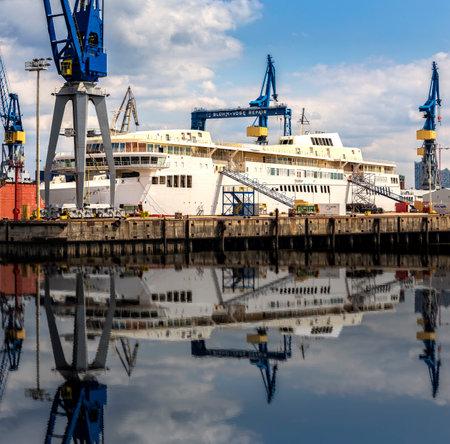 stocktaking: in the shipyard in Hamburg