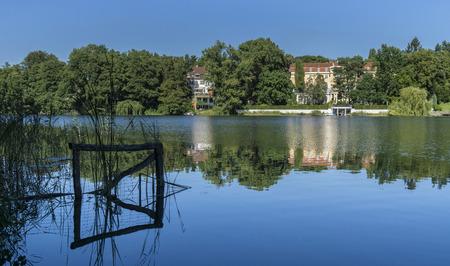 Lakeside Living in Berlin Standard-Bild