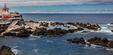 Meerwasserpool in Porto Moniz, Madeira, Portugal, Europa Standard-Bild - 78725236