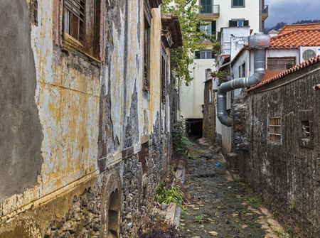 putz: Dried out riverbed in funchal on madeira