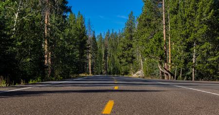 country road Standard-Bild - 104418664