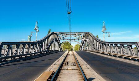 The bridge at the former cross-border Bornhomer Street