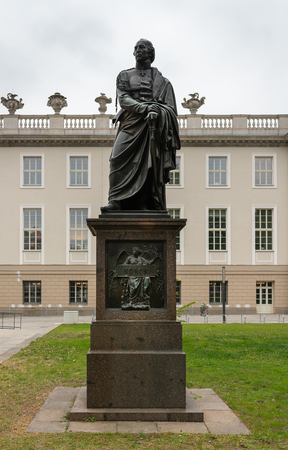 The yorck statue on berliner bebelplatz Redakční