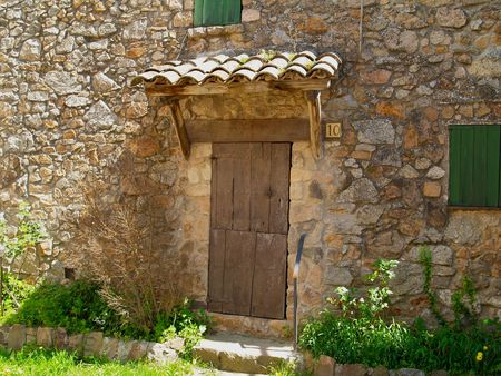 Old rustic house in Espinelles