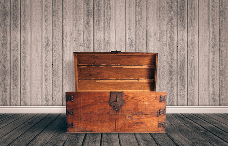 treasure chest: Old wooden chest with open lit