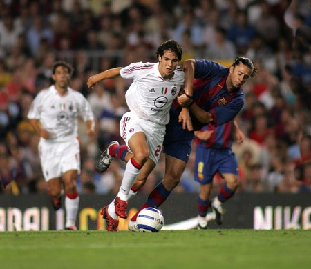 milánó: AC Milan Brazilian Kaka during a friendly match between FC Barcelona and AC Milan at the Nou Camp Stadium on August 26, 2004 in Barcelona, Spain