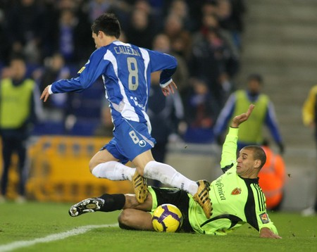 Callejon (L) of Espanyol with Diogo (R) of Zaragoza during a Spanish League match between Espanyol and Zaragoza at the Estadi Cornella on January 10, 2010 in Barcelona, Spain