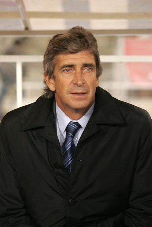manuel: Manuel Pellegrini coach of Villareal during a Spanish League match between Espanyol and Villareal at the Olympic Stadium on January 5, 2008 in Barcelona, Spain Editorial
