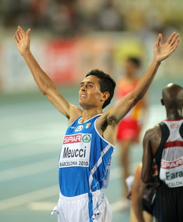daniele: Daniele Meucci of Italy celebrates bronze medal on the Men 10000m final during the 20th European Athletics Championships at the Olympic Stadium on July 27, 2010 in Barcelona, Spain