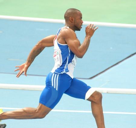 deportes olimpicos: Marcial Mbandjock de Francia compite en los hombres 200 metros durante el XX Campeonato Europeo de atletismo de en el Estadio Olímpico el 29 de julio de 2010 en Barcelona, España
