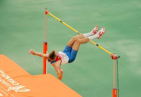 finalistin: Aleksander Schustow Russlands konkurriert auf M�nner Hochsprung w�hrend der 20th Leichtathletik-Europameisterschaft am Olympiastadion am 29 Juli 2010 in Barcelona, Spanien