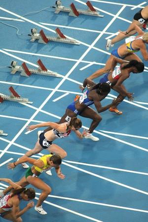 deportes olimpicos: Competidores de 100 m de la mujer durante el XX Campeonato Europeo de atletismo de en el Estadio Olímpico el 29 de julio de 2010 en Barcelona, España  Editorial