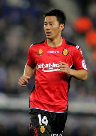 liga: Akihiro Ienaga of Mallorca in action during the match between Espanyol and Real  Mallorca at the Estadi Cornella on March 1, 2010 in Barcelona, Spain
