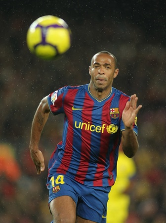 henry: FC Barcelona player  Henry during Spanish soccer league match between FC Barcelona and Villarreal at the Nou Camp Stadium on January 2, 2010 in Barcelona, Spain