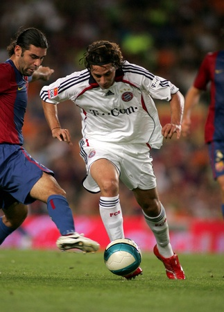 Peruvian player of Bayern Munich Claudio Pizarro during a friendly match between Bayern Munich and FC Barcelona at the Nou Camp Stadium on August 22, 2006 in Barcelona, Spain