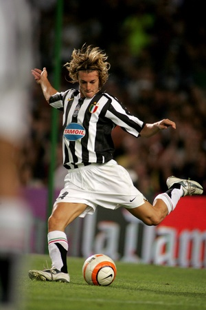 Federico Balzaretti of Juventus in action during the friendly match between Barcelona and Juventus at Nou Camp Stadium August 24, 2005 in Barcelona, Spain