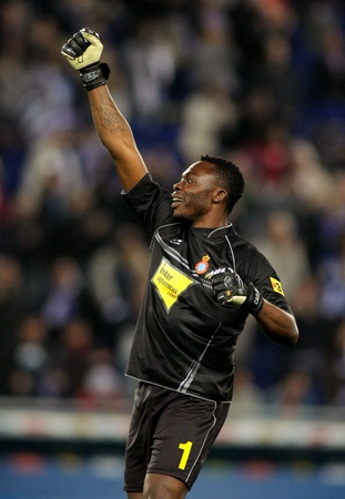 cameroonian: Carlos Kameni of Espanyol celebrates goal during a Spanish League match between Espanyol and Athletic Bilbao at the Estadi Cornella on May 2, 2011 in Barcelona, Spain Editorial