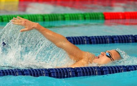 piscina olimpica: Campeón húngaro Laszlo Cseh nada braza durante la reunión Mare Nostrum en Barcelona Editorial