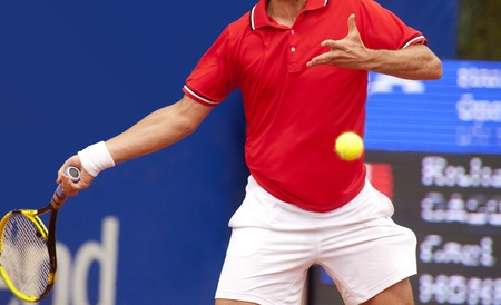forehand: A tennis player during a match Stock Photo