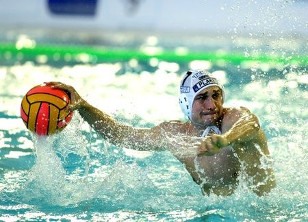 polo player: Vasas of Budapest player Robert Kovacs in  action during a match of Water polo Euroleague Final four 2008 against Pro Recco  at Monjuich swimming pool May 17, 2008 in Barcelona, Spain
