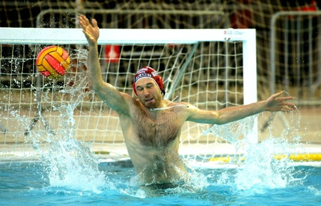 vasas: Vasas of Budapest goalkeeper Viktor Nagy in  action during a match of Water polo Euroleague Final four 2008 against Jug Dubrovnik at Monjuich swimming pool May 16, 2008 in Barcelona, Spain