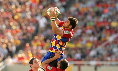Perpignan player Damien Chouly in a lineout  during the Heineken European Cup quarter-final match USAP Perpignan against RC Toulon at the Olympic Stadium in Barcelona, on April 9, 2011