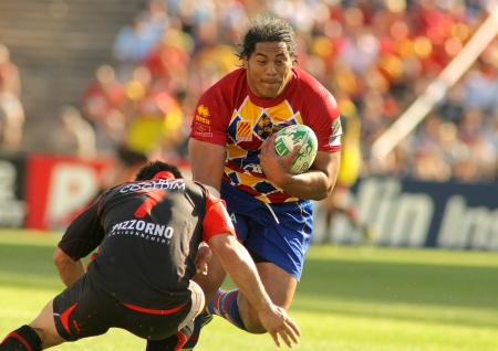 Perpignans player Henry Tuilagi vies during the Heineken European Cup quarter-final match USAP Perpignan against RC Toulon at the Olympic Stadium in Barcelona, on April 9, 2011