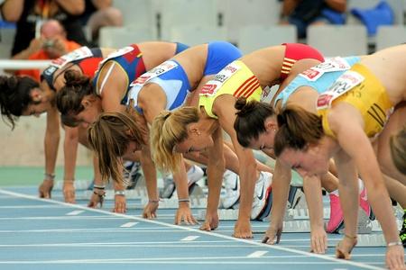 finalistin: Athleten bereit f�r den Start von 100m Ereignis von Barcelona Leichtathletik-Meeting im Olympiastadion auf 22 Juli 2011 in Barcelona, ??Spanien