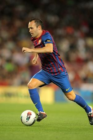 Striker: Andres Iniesta z FC Barcelona w hiszpańskiej mecz ligowy pomiędzy FC Barcelona vs Villarreal CF na stadionie Camp Nou w dniu 29 sierpnia 2011 r. w Barcelona, Hiszpania