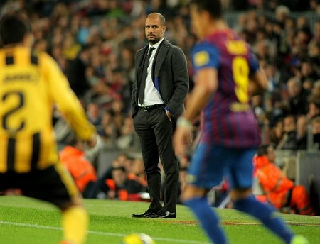 pep: Pep Guardiola FC Barcelona coach during the spanish league match against Real Zaragoza at the Nou Camp Stadium on November 19, 2011 in Barcelona, Spain