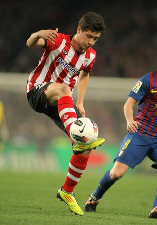 Ander Herrera of Athletic Bilbao in action during the Spanish league match against FC Barcelona at the Camp Nou stadium on March 31, 2012 in Barcelona, Spain Stock Photo - 13266184