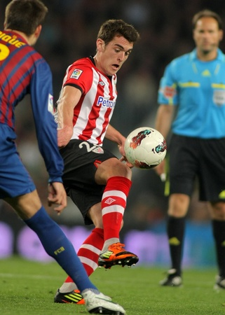 gomez: Ibai Gomez of Athletic Bilbao in action during the Spanish league match against FC Barcelona at the Camp Nou stadium on March 31, 2012 in Barcelona, Spain