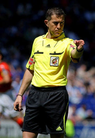 ignacio: Referee Iglesias Villanueva during during a Spanish League match between RCD Espanyol and Valencia CF at the Estadi Cornella on April 15, 2012 in Barcelona, Spain Editorial