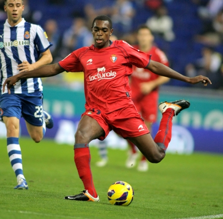 loe: Raoul Loe of Osasuna during a Spanish League match between Espanyol and Osasuna  at the Estadi Cornella on November 10, 2012 in Barcelona, Spain Editorial
