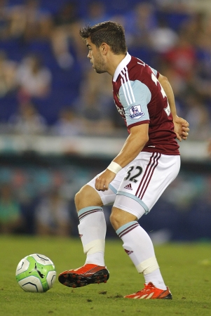 premier league: Elliot Lee of West Ham United in action during a friendly match against RCD Espanyol at the Estadi Cornella on September 5, 2013 in Barcelona, Spain