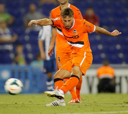 sergio: Sergio Canales of Valencia CF in action during a Spanish League match against RCD Espanyol at the Estadi Cornella on August 24, 2013 in Barcelona, Spain