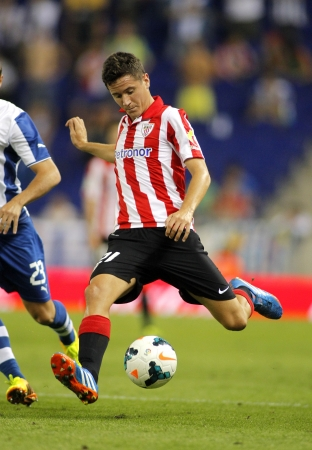 ander: Ander Herrera of Athletic Bilbao in action during a Spanish League match between RCD Espanyol vs Bilbao at the Estadi Cornella on September 23, 2013 in Barcelona, Spain Editorial