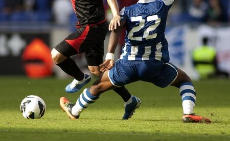 joueurs de foot: Les joueurs de soccer dans l'action de p�nalit�