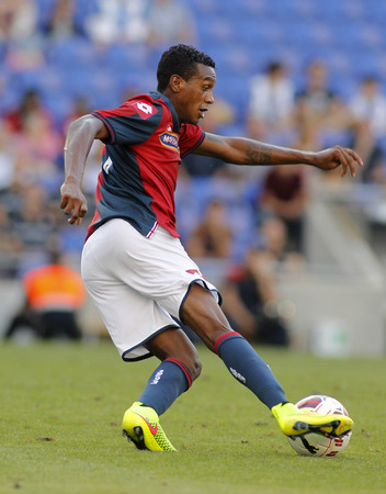cfc: Edenilson of Genoa CFC in action during a friendly match against RCD Espanyol at the Estadi Cornella on August 17, 2014 in Barcelona, Spain