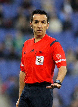 perez: Spanish referee Perez Montero during a Spanish League match between Espanyol and Elche CF at the Estadi Cornella on April 6, 2015 in Barcelona, Spain